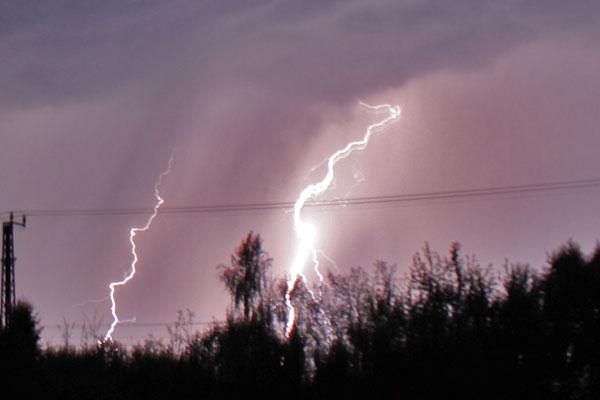 Wetterdienste geben Unwetterwarnung für Mitteldeutschland heraus