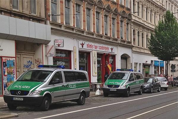 Festnahmen und Waffenfunde bei Durchsuchungen in der Leipziger Eisenbahnstraße